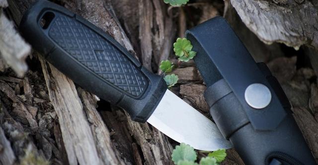 BLADE KNIVES